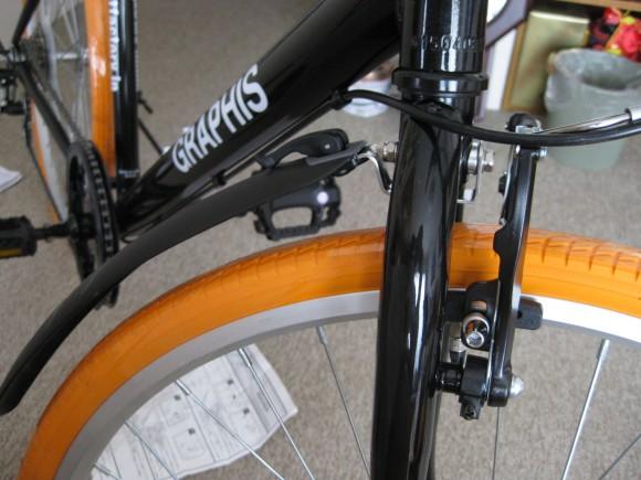クロスバイクGRAPHIS GR-001フェンダー取り付け前輪 その2