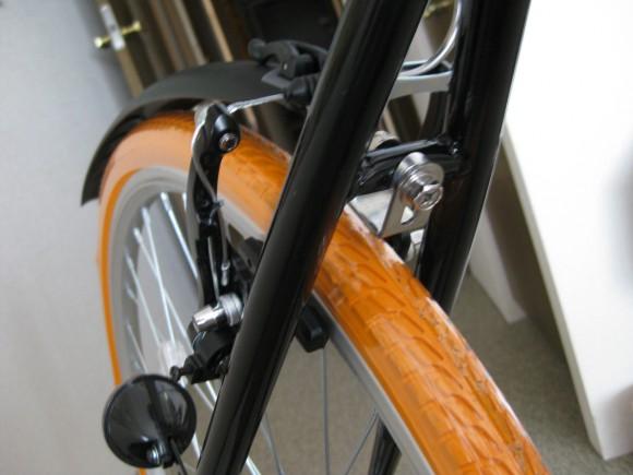 クロスバイクGRAPHIS GR-001フェンダー取り付け後輪 成功 その2