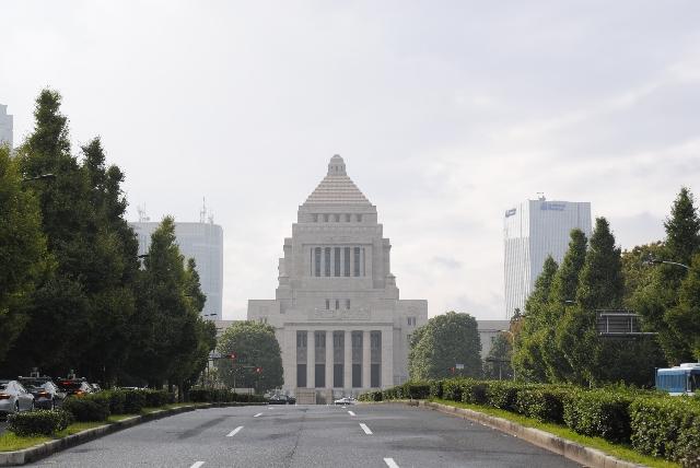 選挙に行かないあなたには、日本が他の国に行って戦争をする国になっても文句を言う権利はない