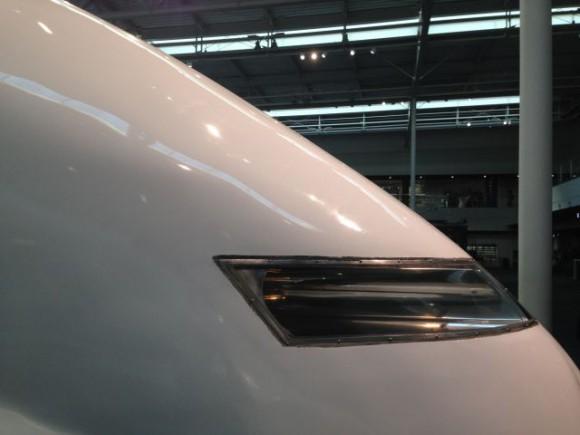 300系新幹線の横顔