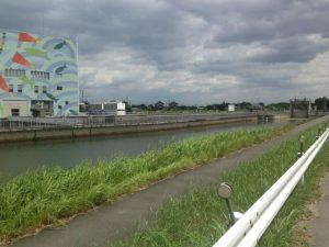 稲沢市でもあり、一宮市でもある広口池