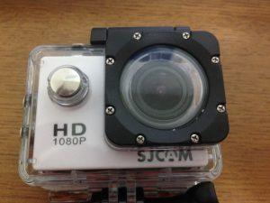 アクションカメラSJ4000を水の中に沈める準備