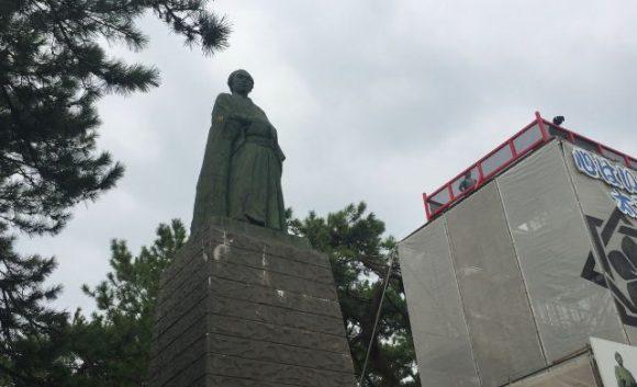 龍馬ファン必見!桂浜の坂本龍馬像が期間限定で龍馬の目線で太平洋を臨めますよ!