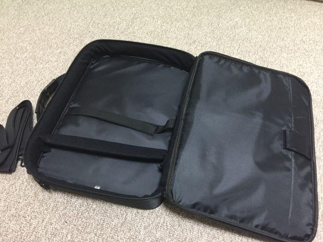17.3インチのノートパソコンを持ち運べるPCバッグを買いました