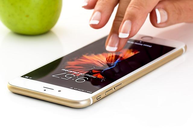 ホームページ作るときは、iPhoneでちゃんと見れれば8割がたOK!