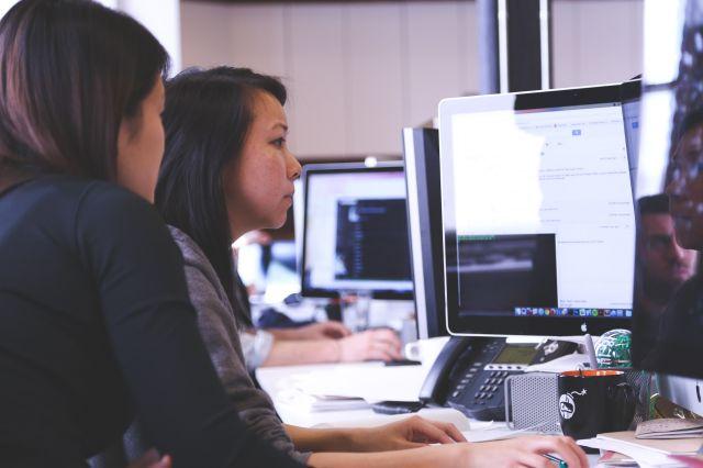 ホリエモンがおすすめしているプログラミングスクールは何が違うのか?